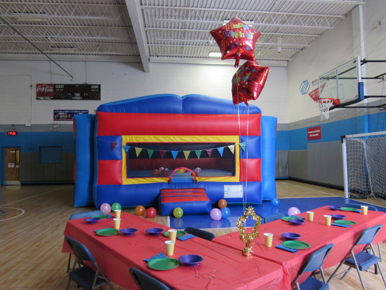Table with birthday party decorations